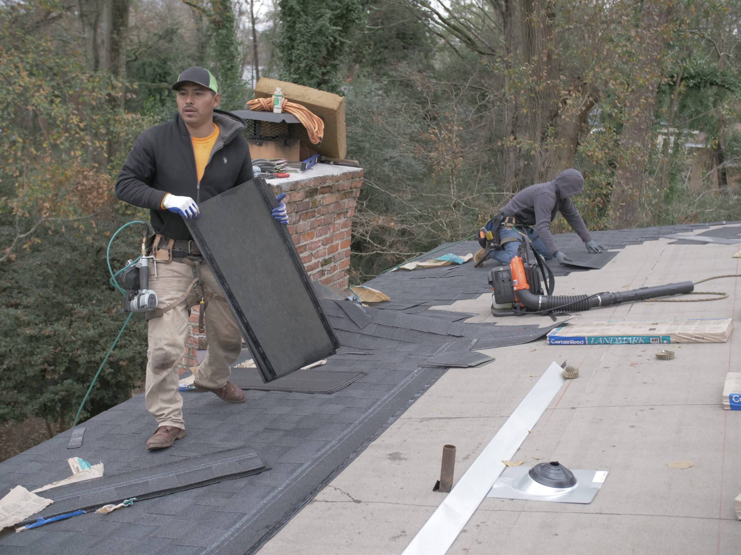 commercial roofing AL services. iRoof roofer is making commercial services